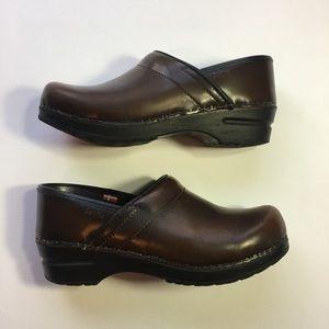 Sanita Women's Brown Leather Clogs Size 38